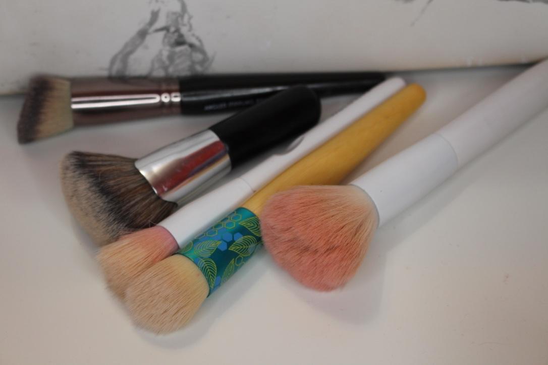 brushes, makeup brushes